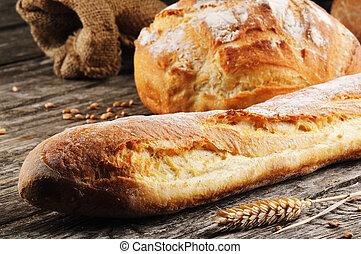 Frisch gebackenes traditionelles französisches Brot