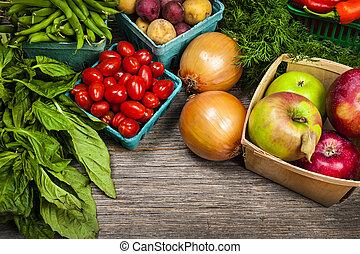 Frische Marktfrucht und Gemüse