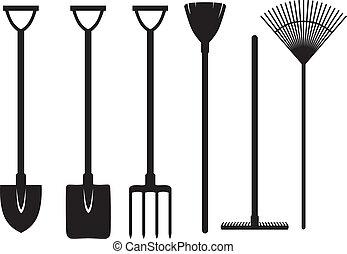 Gartenwerkzeuge bereit