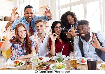 gasthaus, glücklich, zeichen, hand, ausstellung, ok, friends