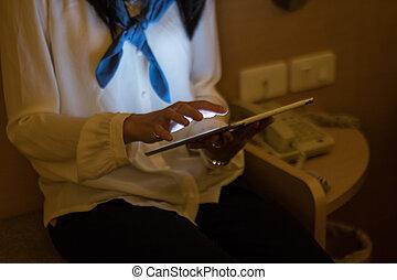 gebrauch, tablette, nachtzeit, pc, digital, frauen