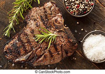Gegrilltes BBQ-T-Bone-Steak