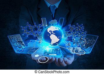 Geschäftsleute arbeiten mit moderner Technologie