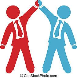 Geschäftsleute feiern den Erfolg der Vereinbarung