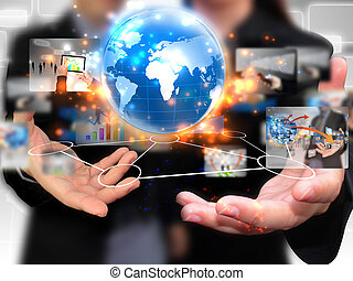 Geschäftsleute halten soziale Medien