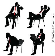 Geschäftsmann sitzt auf dem Stuhl.