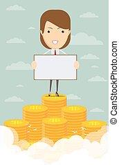 Glückliche Geschäftsfrau, die aus einem Haufen Geld aufsteigt.