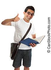Glückliche Hochschulstudentin macht Daumen hoch