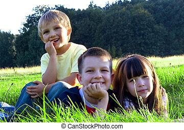 Glückliche Kinder