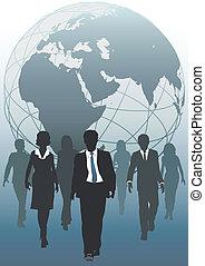 Globales Team entwickelt sich zu internationalen Geschäftsressourcen
