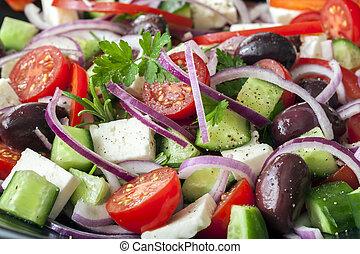 Griechischer Salat mit vollem Rahmen