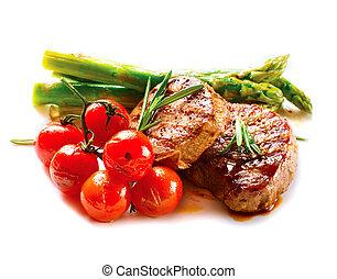 Grillsteak. Grill Steak Fleisch mit Gemüse