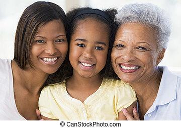 Großmutter mit erwachsener Tochter und Enkel