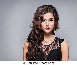 Hübsches Porträt von jungen attraktiven Frauen.