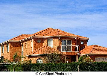 Haus mit Terracotta Dachziegel