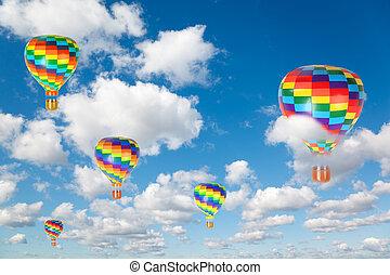 Heiße Luftballons auf White, flauschige Wolken im blauen Himmel kollabieren