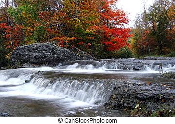 Herbstwasserfälle