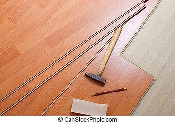 Holzboden und Werkzeuge