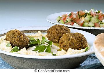 Hummus Falafel und arabischer Salat