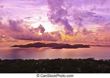 Insel praslin seychelles bei Sonnenuntergang.