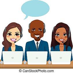 Internationales Call Center Team.