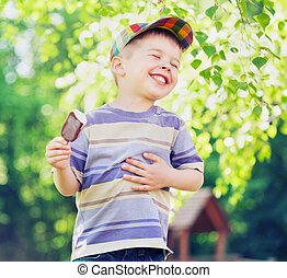 junge, essende, zufriedengestellt, eis, klein, creme