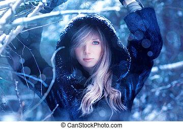 Junge Frau Winterporträt.