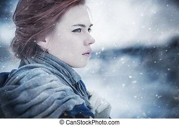 Junge Frau, Winterporträt