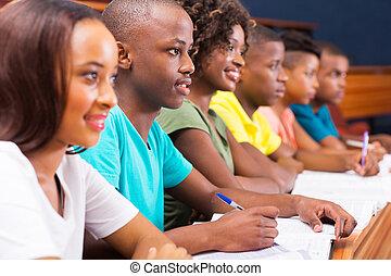 junger, amerikanische , afrikanisch, studenten, gruppe, hochschule