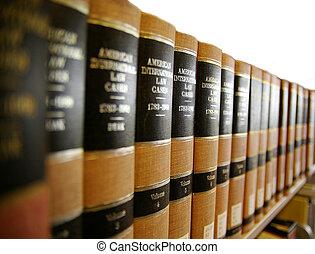 Jura / Rechtsbücher auf einem Bücherregal