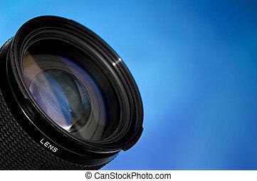 Kameralinse über Blau