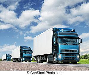 Konvoi von Lkws auf der Autobahn, Transportkonzept