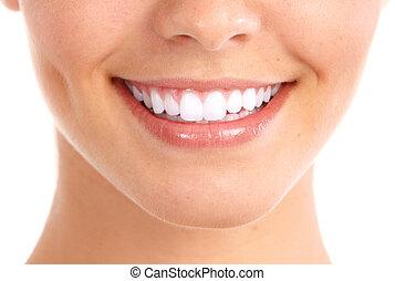 Lächeln und gesunde Zähne.
