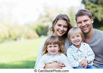 Lächelnde Familie