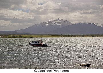 Landschaftsbild von puerto natales in patagonia, chile