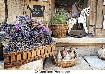 Lavendel zum Verkauf in Beweisform.
