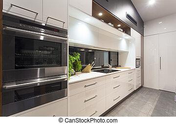 LED-Licht moderne Küche.
