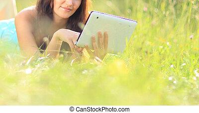 lesende , frau, e-book