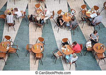 Leute im Café