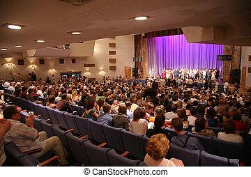 Leute im Konzertsaal