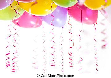 luftschlangen, freigestellt, geburstag, hintergrund, party, weißes, luftballone, feier
