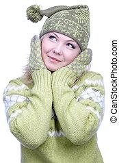Mädchen in warmen Kleidern