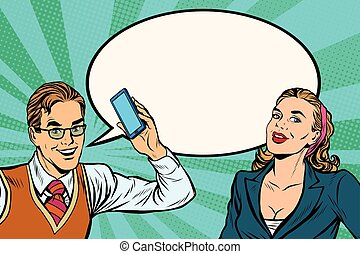 Männliche und weibliche Handy-Dialog