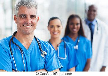 Medizinischer Arzt und Team