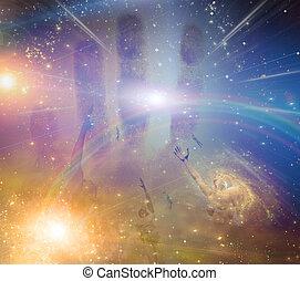 Menschen, die auf das Licht der Sterne zusteigen