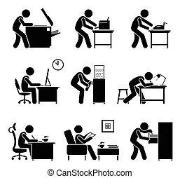 Mitarbeiter benutzen Bürogeräte am Arbeitsplatz.