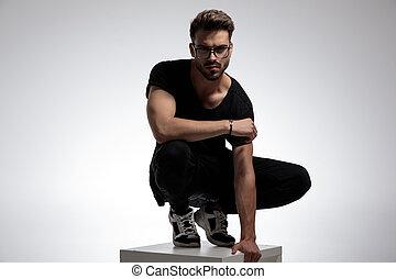 mode, beiläufig, haltung, mann, sexy, klug, stehende