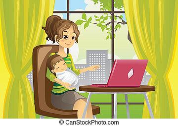 Mutter und Baby benutzen Laptops