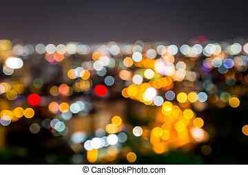 Nachts blüht die Stadt.