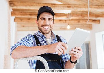 nahaufnahme, tablette, bauunternehmer, pc computer, besitz, porträt